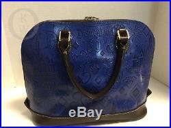 Dooney & BourkeDisneyLand 60th AnniversaryBlue Leather Zip Zip 18098G S162