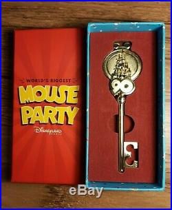 Mickey Mouse 90 Anniversary Limited Edition Key Disneyland PARIS Exclusive