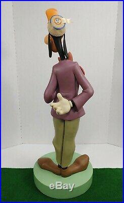 Walt Disney's Collectibles GOOFY At Disneyland 50th Anniversary Statue RARE